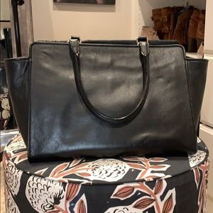 kate spade Bags - ♠️ Kate Spade structured tote ♠️